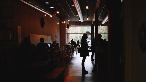 cafe-waiting