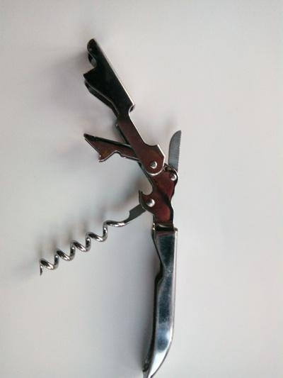 нож-сомелье