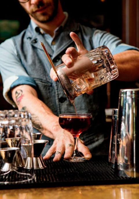 бармен обязанности